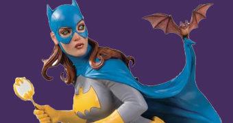 Estátua DC Comics Cover Girls: Batgirl por Frank Cho