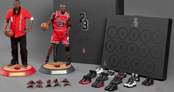 Action Figures Perfeitas Michael Jordan (Away) 1:6 NBA Real Masterpiece (Enterbay)