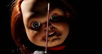 Boneco Falante Freddy Chucky Mega Scale com 38 cm de Altura (Brinquedo Assassino)