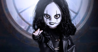 Living Dead Dolls Apresenta: O Corvo de Brandon Lee (The Crow)