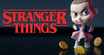 Boneca Toy Art Stranger Things: Eleven por Oasim Karmieh
