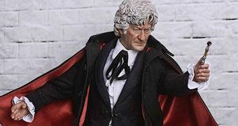 Jon Pertwee como o 3º Doctor – Action Figure Perfeita Doctor Who 1:6 BIG Chief