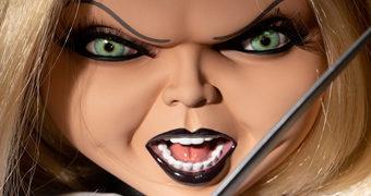 Boneca Falante Tiffany Mega Scale, a Noiva do Chucky com 38 cm de Altura (Brinquedo Assassino)