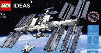 Estação Espacial Internacional (ISS) LEGO Ideias com 864 Peças