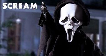 Living Dead Dolls Apresenta: Ghostface da Série de Filmes Pânico (Scream) de Wes Craven