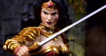 Action Figure Mulher Maravilha (Wonder Woman) One:12 Collective da Mezco