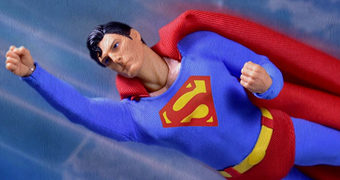 Action Figure Superman 1978 (Christopher Reeve) One:12 Collective com Fortaleza da Solidão Iluminada