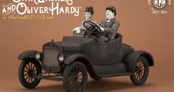 "O Gordo e o Magro (Laurel and Hardy) num Calhambeque Ford Model T – Estátua Sensacional 1:2 do Curta ""Busy Bodies"" de 1933"