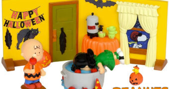 Festa de Halloween Peanuts com Charlie Brown, Snoopy, Woodstock e Lucy