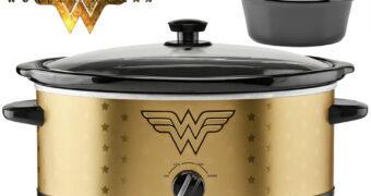 Panela Elétrica Mulher Maravilha (Wonder Woman Slow Cooker)