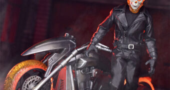 Action Figure Motoqueiro Fantasma One:12 Collective com a Moto Hell Cycle (Ghost Rider)