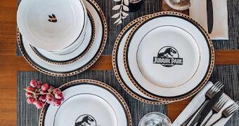 Conjunto de Pratos do Filme Jurassic Park: O Parque dos Dinossauros de Steven Spielberg
