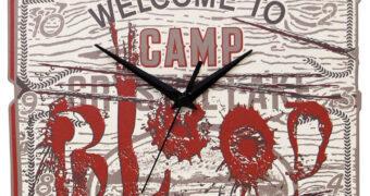 Relógio de Parede Camp Crystal Lake (Blood) da Franquia Sexta-Feira 13