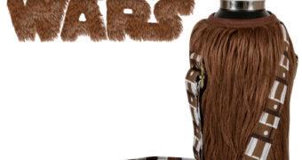 Capa Térmica Peluda Chewbacca Star Wars Bottle Cooler