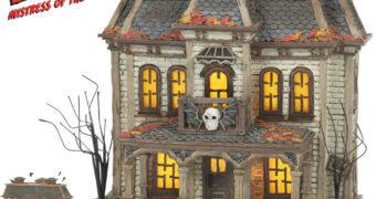 Casa Mal-Assombrada Elvira, a Rainha das Trevas – Estátua Enesco Hot Properties Village