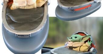 Baby Yoda Acenando o Braço com Energia Solar (Star Wars: The Mandalorian)