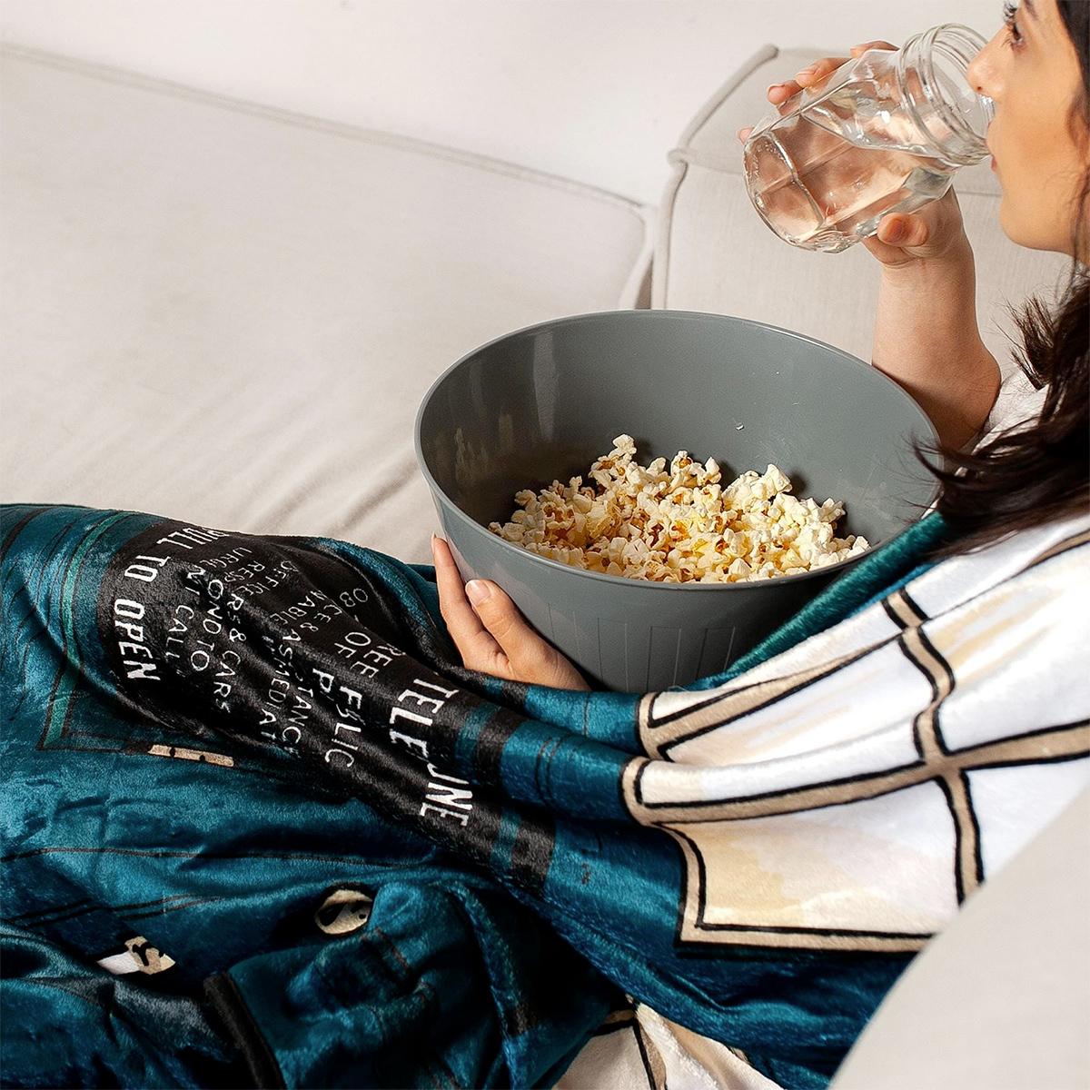 Doctor Who TARDIS Fleece Throw Blanket