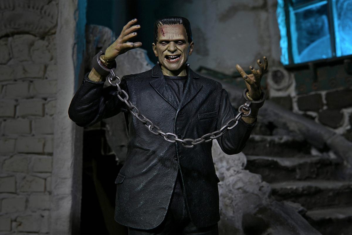 Ultimate Frankenstein Full Color Universal Monsters