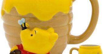 Caneca 3D Ursinho Pooh Pote de Mel