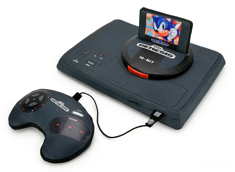 Sega Genesis (Mega Drive) Versão de Pelúcia com Cartucho Sonic (Kidrobot)