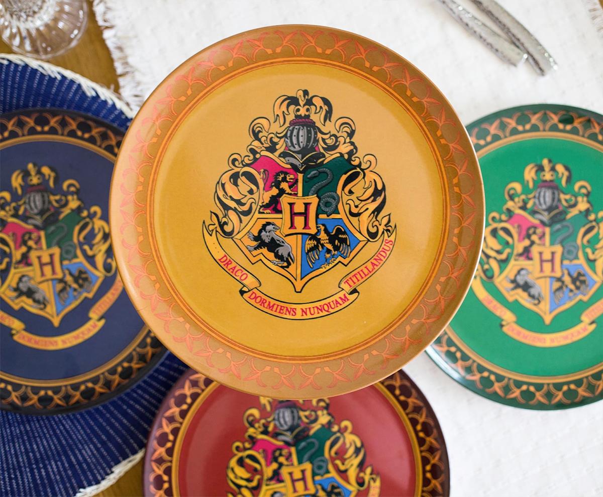 Jogo de Pratos Harry Potter Casas de Hogwarts: Grifinória, Sonserina, Corvinal e Lufa-Lufa