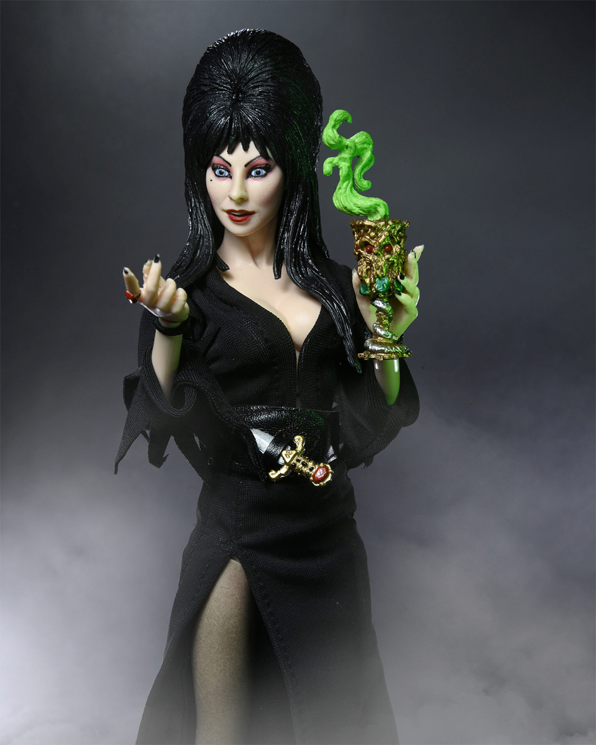 Elvira, Mistress of the Dark 8-Inch Scale Clothed Action Figure